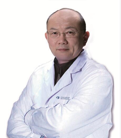 专访临沂眼科医院(华厦眼科医院集团)院长崔传波,告诉你近视手术究竟能做几次!
